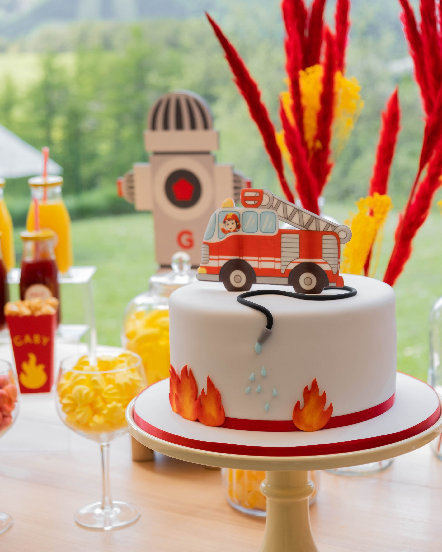 cake design thème pompier